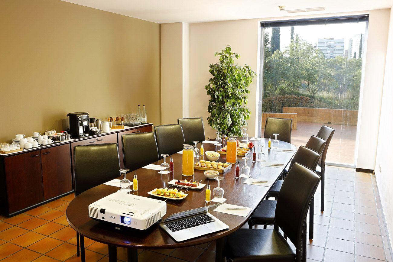 Todos los servicios para tu evento corporativo. Hotel Alimara