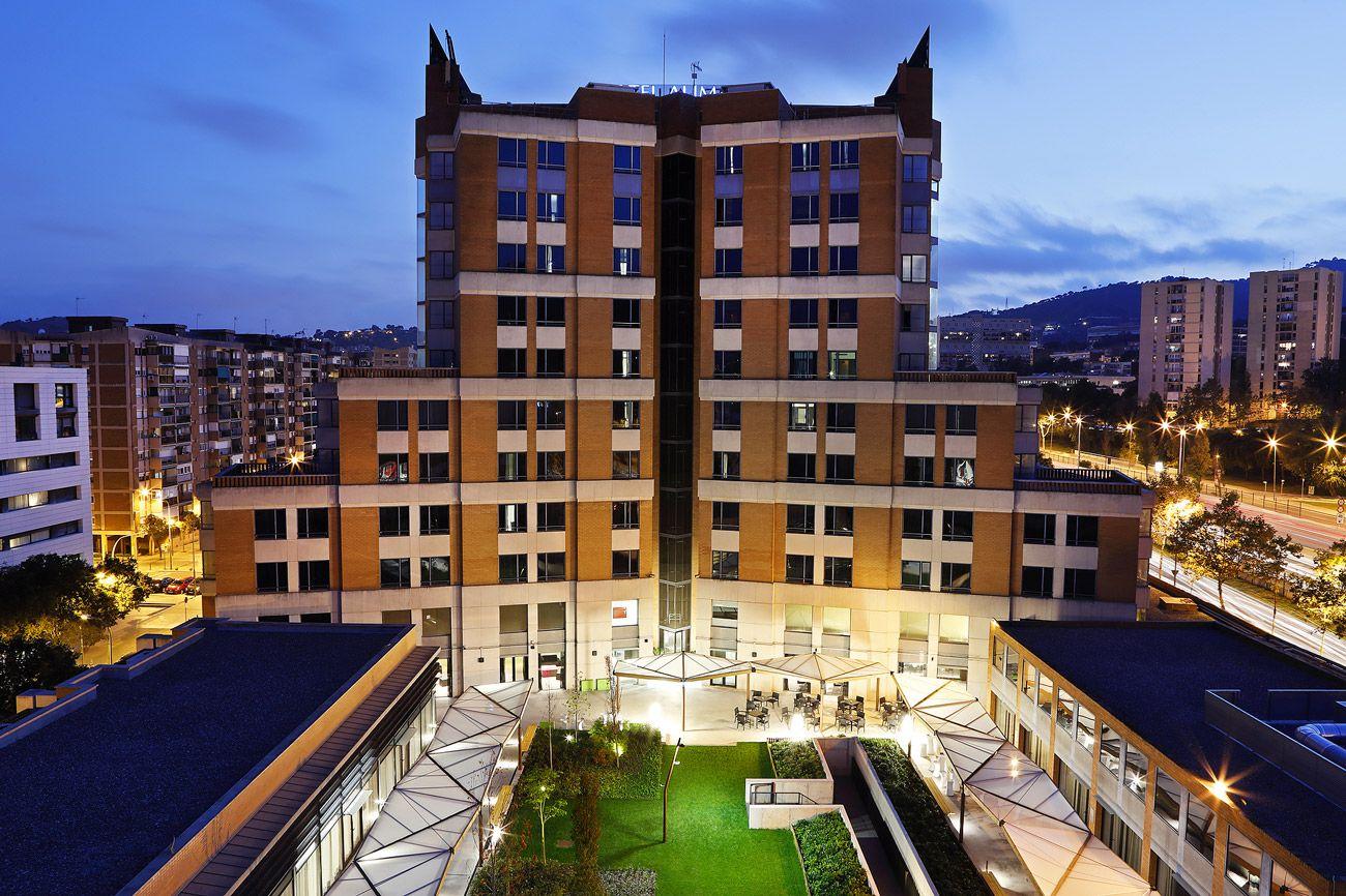 Vistas Hotel Alimara y jardín. Salas de reuniones.
